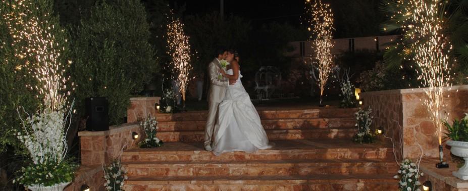 Ένας παραμυθένιος γάμος ξεκινά από μια ονειρεμένη δεξίωση